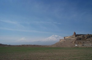 10 -Klasztor Chor Virap na tle góry Ararat