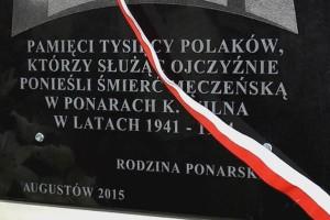 2017 tablica-ku-czci-pomordowanych-w-ponarach
