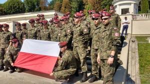 zolnierze-6-brygady-powietrzno-desantowej-na-cmentarzu-lyczakowskim-15-08-2017-fot-facebook-com-maria-pyz